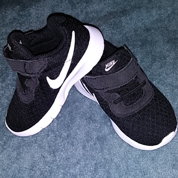 Nike Other - Infant Nike Runners
